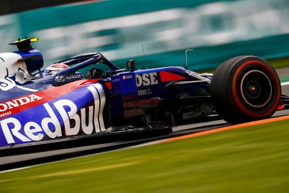 Toro Rosso präsentierte sich im Mexiko-Training der Formel 1 als erste Kraft im Mittelfeld - Foto: LAT Images