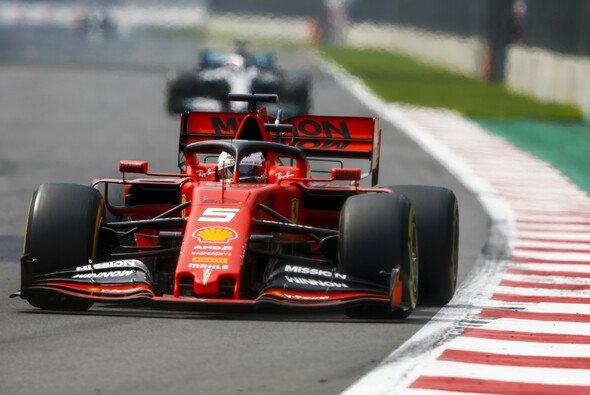 Setzt sich Ferrari in Austin wieder vor Mercedes? - Foto: LAT Images