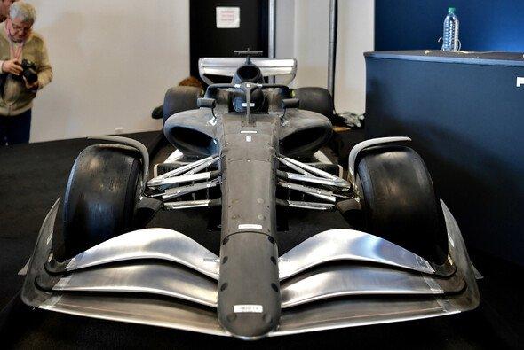 Die Boliden für die Formel-1-Saison 2021 sollten eigentlich so aussehen wie dieses Modell, das 2019 beim USA GP vorgestellt wurde - Foto: LAT Images