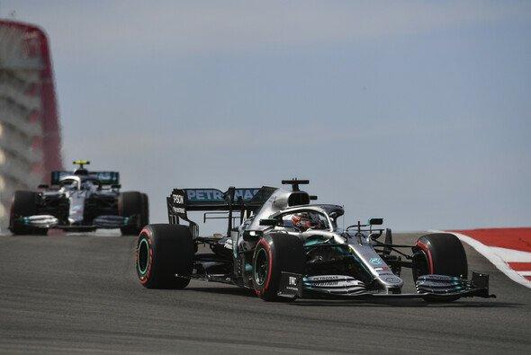 Lewis Hamiltons Einstopp-Strategie ging gegen Valtteri Bottas in den USA um ein Haar auf - Foto: LAT Images