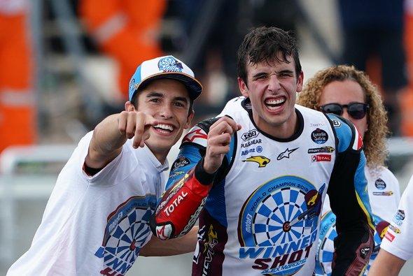 Die Marquez-Brüder feierten in Sepang den Weltmeistertitel von Alex Marquez - Foto: Estrella Galicia
