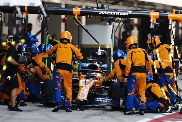 Zuletzt häuften sich die Fehler bei den Boxenstopps von McLaren - Foto: LAT Images