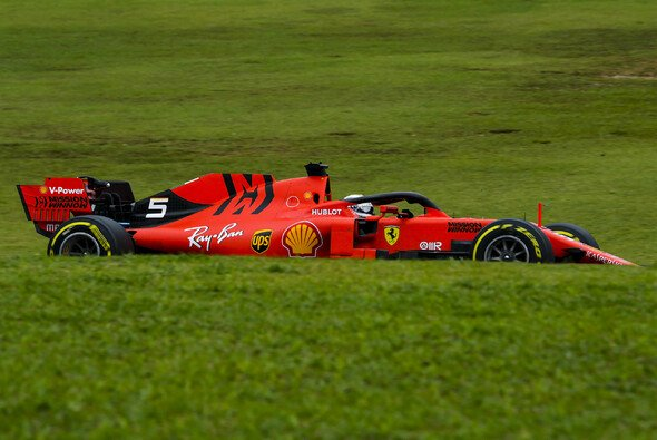 Ferrari und Sebastian Vettel geben in den Brasilien-Trainings das Tempo vor - Foto: LAT Images