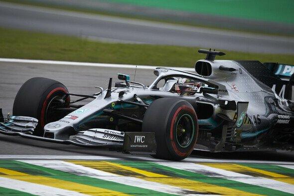 Lewis Hamilton gewinnt die Qualifying-Generalprobe auf dem Autodromo Jose Carlos Pace - Foto: LAT Images