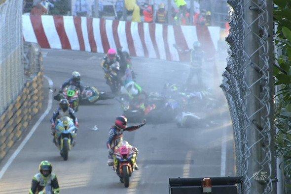 In Macau hat es auch beim Motorrad-GP gekracht - Foto: Screenshot