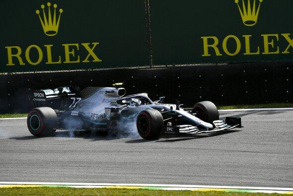 Valtteri Bottas war schon vor seinem Ausfall beim Brasilien GP chancenlos - Foto: LAT Images