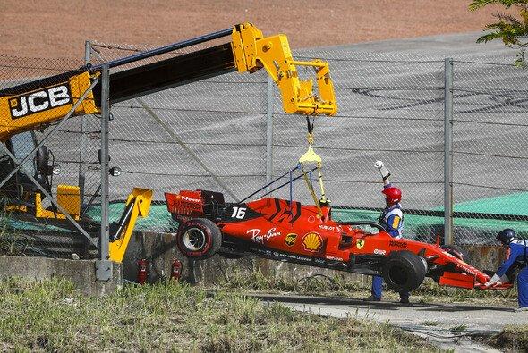 Für Ferrari endete der Brasilien GP nach der Kollision zwischen Sebastian Vettel und Charles Leclerc mit zwei defekten Autos - Foto: LAT Images