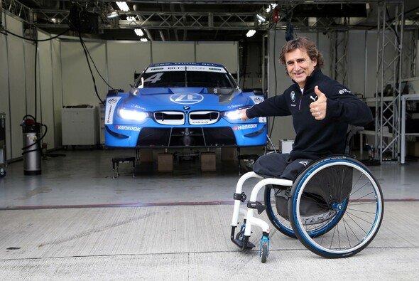 Alex Zanardi hat auch mit 53 Jahren Freude am Rennfahren - Foto: BMW Motorsport