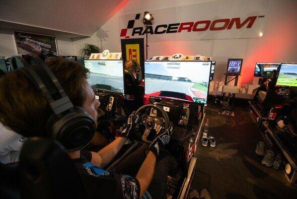 Sim-Racing als perfekte Rennfahrer-Überbrückung zu Coronavirus-Zeiten? - Foto: ADAC eSports