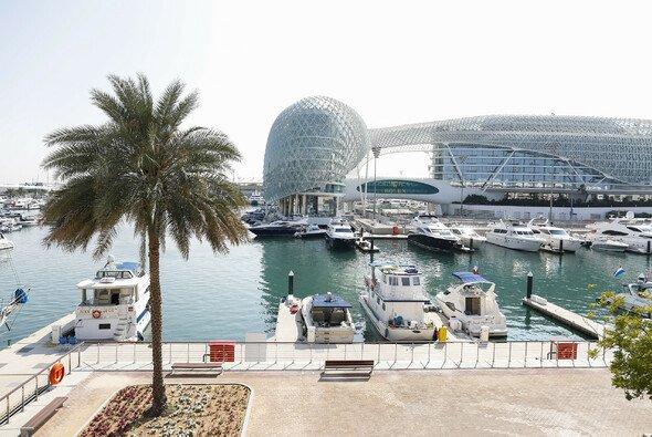 Der Formel-1-Zirkus macht an diesem Wochenende in Abu Dhabi Halt. - Foto: LAT Images