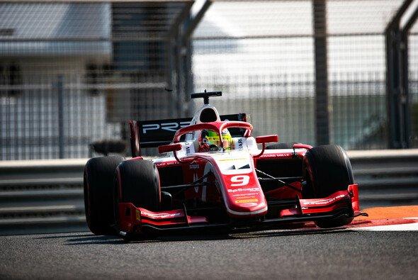 Mick Schumacher zeigte sich am zweiten Testtag in Abu Dhabi nur kurz - Foto: LAT Images