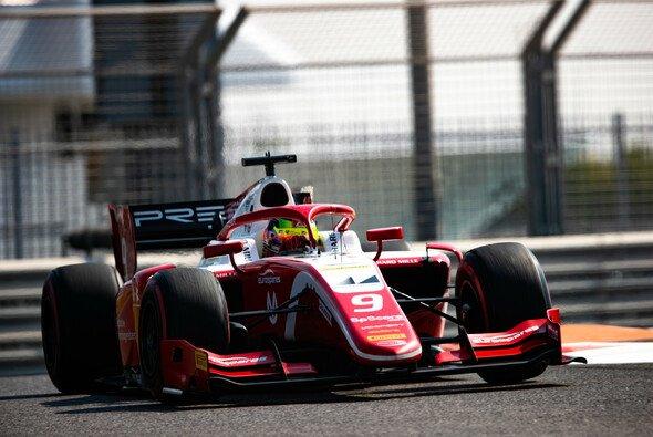 Mick Schumacher war am zweiten Testtag erneut schneller als sein Teamkollege Robert Shwartzman - Foto: LAT Images