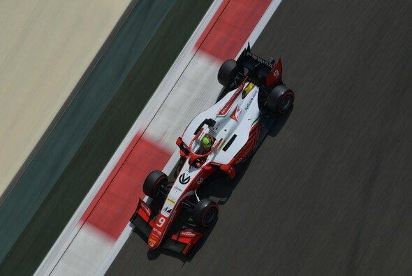 Mick Schumacher fuhr beim letzten Test der Formel-2-Saison 2019 in Abu Dhabi die schnellste Zeit - Foto: LAT Images
