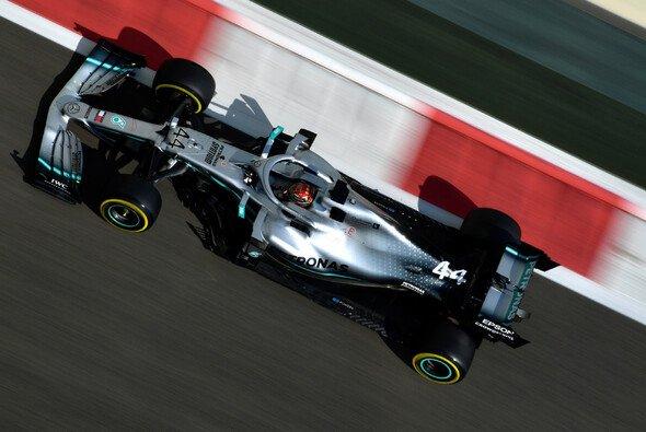 Mercedes und Lewis Hamilton präsentierten sich in Abu Dhabi in den Trainings stark - Foto: LAT Images