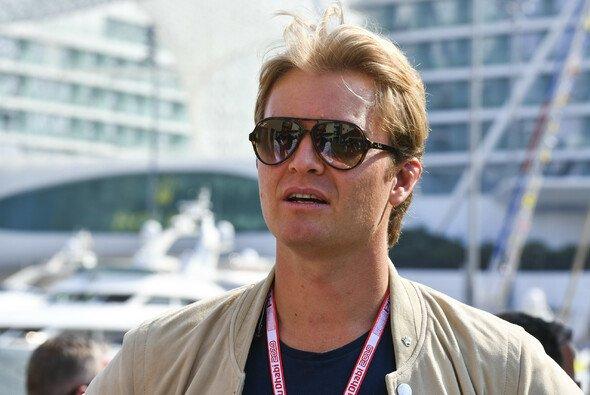 Nico Rosberg sieht Lewis Hamilton nicht in der Verantwortung für die Strafe im Formel-1-Rennen in Monza - Foto: LAT Images