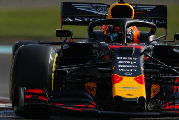 Max Verstappen konnte im 3. Training beide Mercedes-Piloten hinter sich lassen - Foto: LAT Images