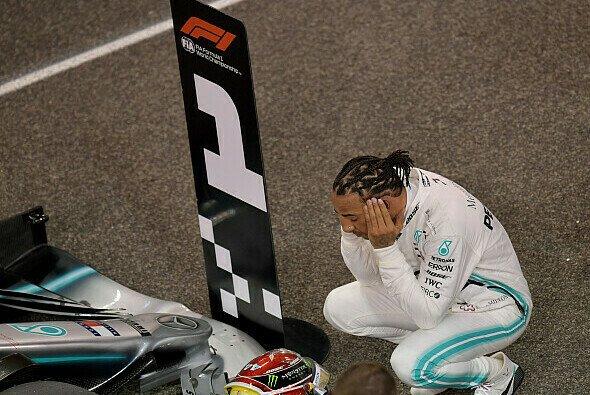Lewis Hamilton durchlebte auch nach Pole 88 wieder einen emotionalen Moment - Foto: LAT Images