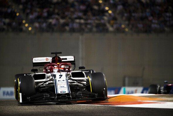 Kimi Räikkönen verpasste im letzten Saisonrennen 2019 die Punkteränge - Foto: LAT Images