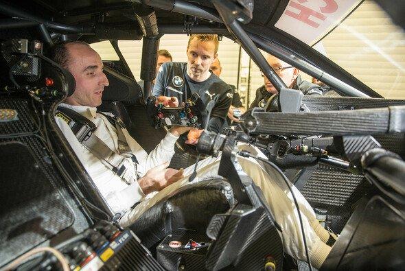 Robert Kubica fuhr am Donnerstag erstmals einen DTM-BMW - Foto: BMW Motorsport