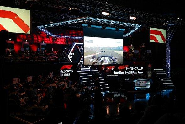 Die Formel 1 sprang am letzten Wochenende auf den eSports-Zug auf - Foto: Red Bull Content Pool