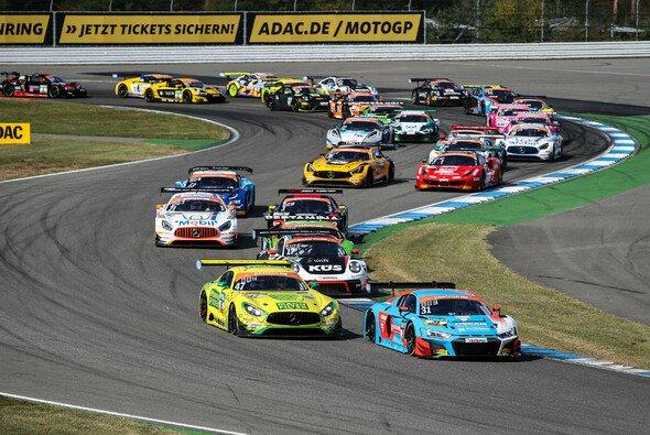 Auch 2020 gibt es im ADAC GT Masters ein vollbesetztes Starterfeld - Foto: ADAC GT Masters