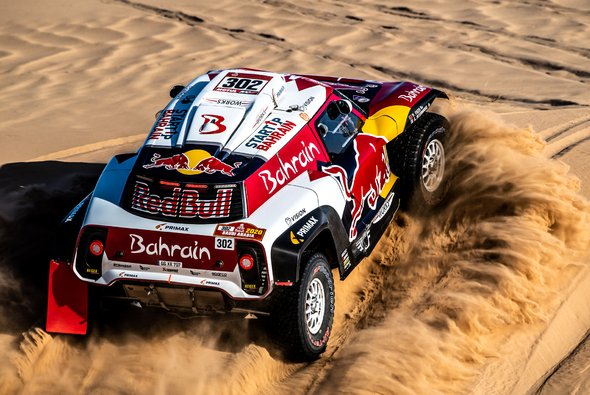 Stephane Peterhansel gerwinnt mit starker Leistung - Foto: X-raid