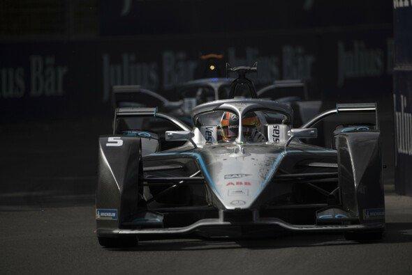 Mercedes-Fahrer Stoffel Vandoorne führt nach dem ePrix in Santiago die Fahrerwertung an - Foto: LAT Images
