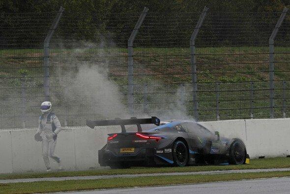 Das DTM-Projekt von R-Motorsport geht in Rauch auf... - Foto: LAT Images