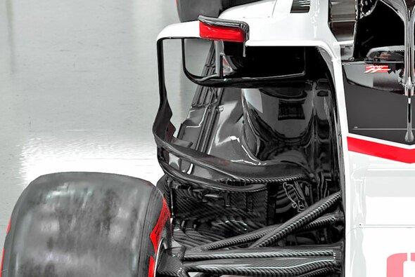 Die Kühlung des Haas-Boliden wurde offenbar gravierend überarbeitet - Foto: Haas