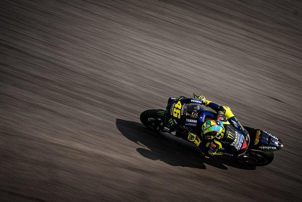 Für Valentino Rossi & Co. heißt es Abwarten - Foto: gp-photo.de / Ronny Lekl