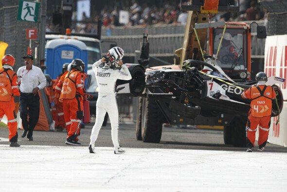 Nico Müller schied nach einem Unfall in Mexiko aus - Foto: LAT Images