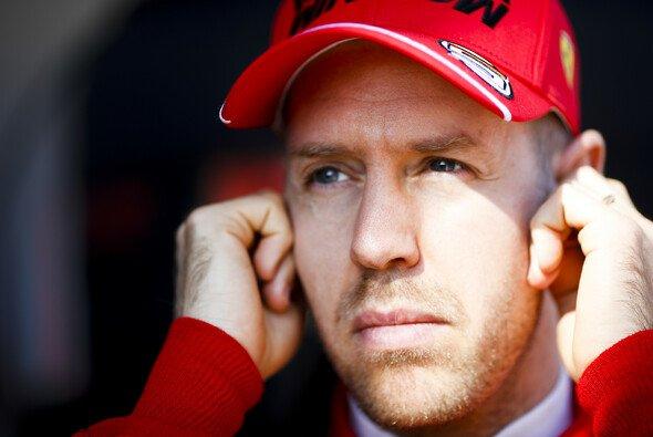 Sebastian Vettel startete am Donnerstag sein Test-Programm - Foto: LAT Images
