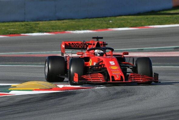 In langsamen Kurven tut sich der Ferrari SF1000 noch schwer - Foto: LAT Images