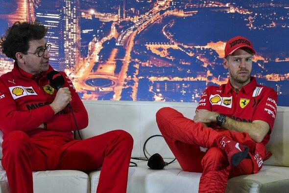 Ferrari-Teamchef Mattia Binotto ist nach dem Abschied von Sebastian Vettel aus Maranello offenbar nicht allzu traurig - Foto: LAT Images