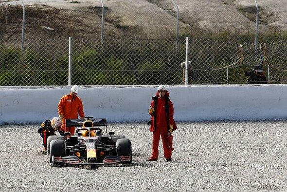Max Verstappen ging mit dem Red Bull RB16 bei den Formel-1-Testfahrten 2020 bis ans Limit - Foto: LAT Images