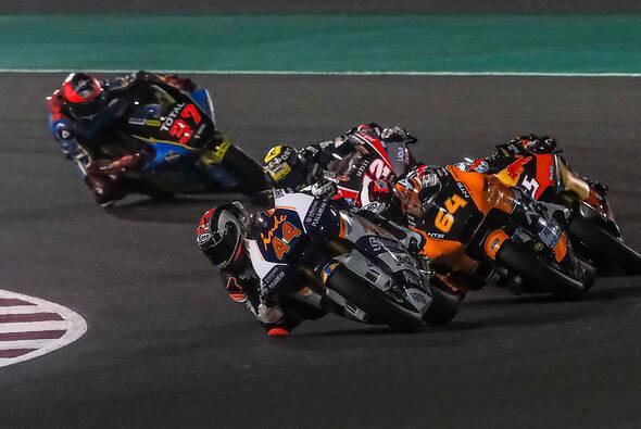 Die Moto2 und Moto3 testen unter den Flutlichtern in Katar - Foto: Aspar