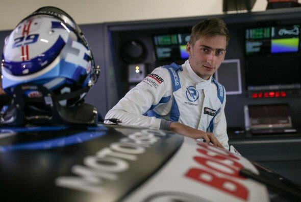 Ferdinand Habsburg steht vor seiner zweiten Saison in der DTM - Foto: R-Motorsport