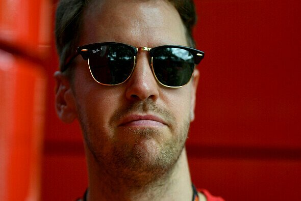 Sebastian Vettel zeigte sich vor einer Woche erstmals bei einem virtuellen Rennen - Foto: LAT Images