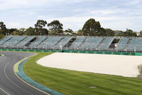 Leere Ränge in Melbourne: Die Infrastruktur rund um die Strecke wird bald wieder abgebaut - Foto: LAT Images