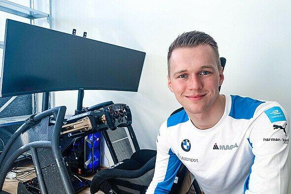 Maximilian Günther bewies bei dem Test-Event, dass ihm auf dem Simulator keiner seiner Formel-E-Kollegen das Wasser reichen kann - Foto: BMW Motorsport