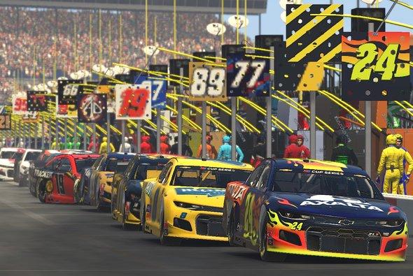 Auf dem Texas Motor Speedway gab es 130 spannende virtuelle Runden zu sehen - Foto: NASCAR