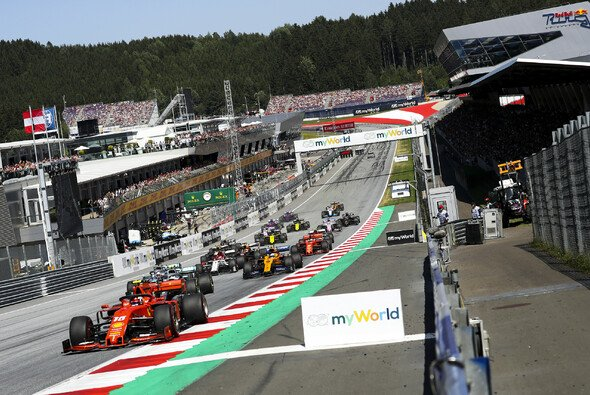 Die Formel 1 steuert auf einen Saisonstart in Österreich zu - Foto: LAT Images