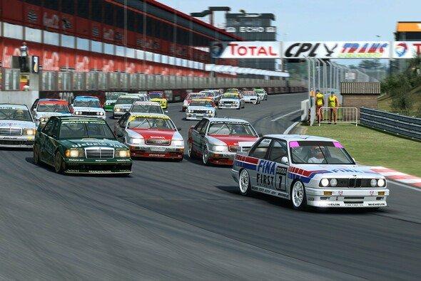 Bei der DTM esports Classic Challenge kommen echte Klassiker zum Einsatz - Foto: ITR