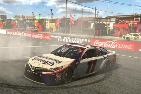 Denny Hamlin gewinnt das letzte Rennen in der Corona-Pause - Foto: NASCAR