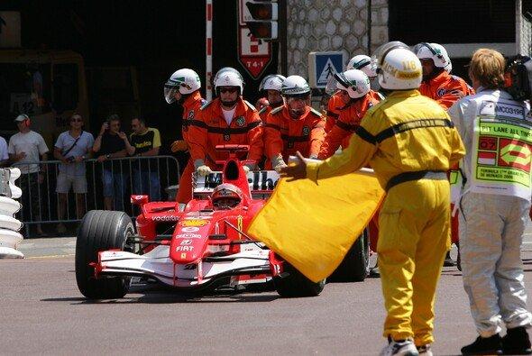 2006 stellte Michael Schumacher seinen Ferrari absichtlich in der Monaco-Qualifikation ab und blockierte damit die Strecke - Foto: LAT Images