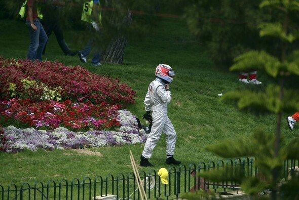 Kimi Räikkönen wanderte nach einem Ausfall durch die monegassische Botanik in Richtung Yachthafen - Foto: LAT Images