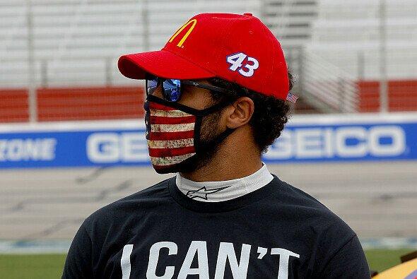Bubba Wallace trug in Atlanta dieses T-Shirt der 'Black Lives Matter'-Bewegung - Foto: NASCAR