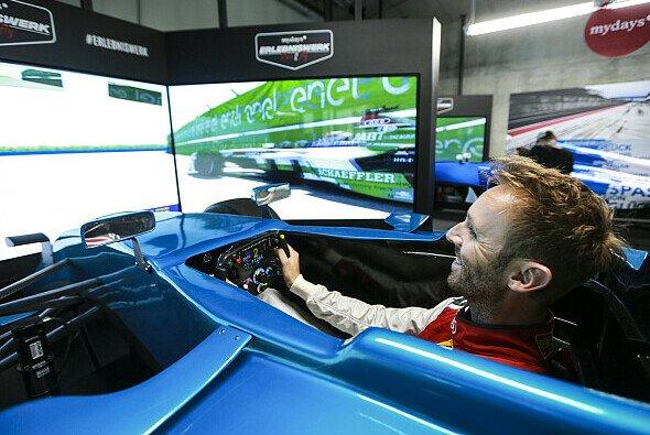 Rene Rast testet Audis Formel-E-Rennwagen auf dem Lausitzring - Foto: Audi Communications Motorsport