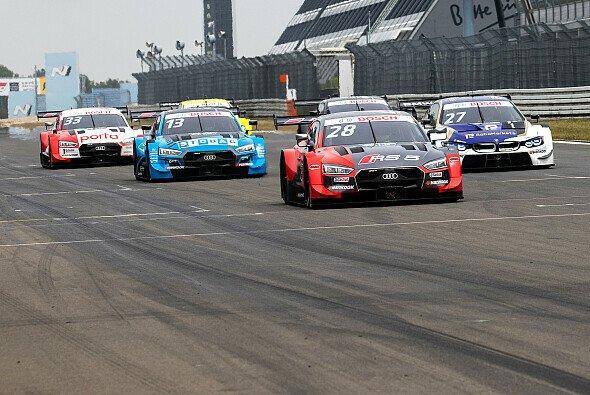 Audi führt die Zeitenliste am zweiten Tag der DTM-Tests auf dem Nürburgring an - Foto: Audi Communications Motorsport