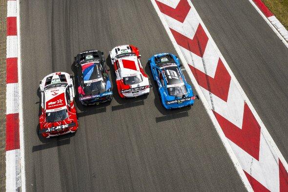 Audi und BMW führen einen Sicherheits-Test in Spa-Francorchamps durch - Foto: DTM